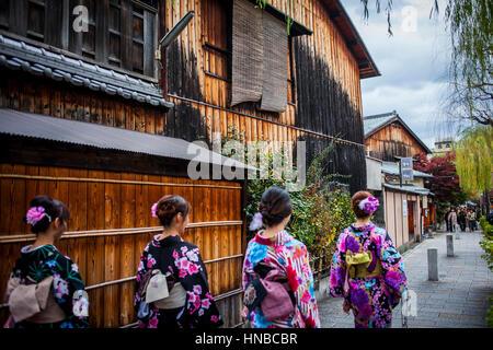 women, girls, teenager, girl, dressed in kimono, in Shirakawa-minami-dori, Gion district, Kyoto. Kansai, Japan. - Stock Photo