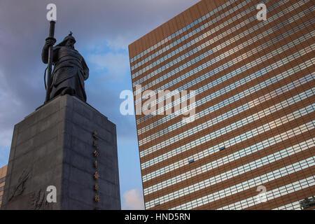 Sculpture, Admiral Yi Sun-shin statue at  Gwanghwamun Square, Seoul, South Korea. - Stock Photo