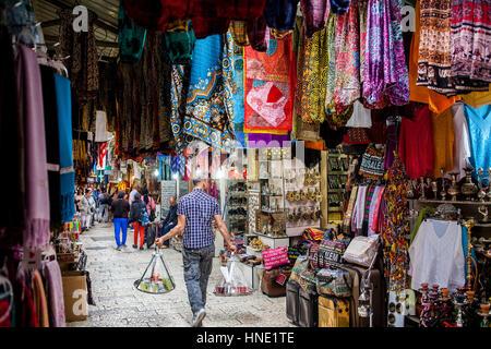 Waiter carries tea, David street,Souk Arabic, Old City, Jerusalem, Israel. - Stock Photo