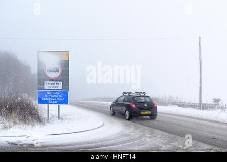 Matlock, Derbyshire, UK. 12th Feb, 2016. Heavy snowfall in the Derbyshire dales, near Matlock and surrounding areas.Derbyshire - Stock Photo