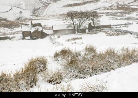 Peak District, UK. 12 February 2012. Winter returns to the Peak District near Flash, Britain's highest village at - Stock Photo