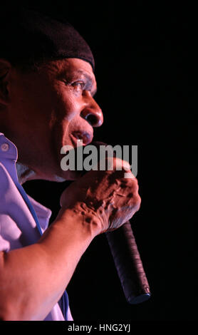 File. 12th Feb, 2017. ALWIN LOPEZ 'AL' JARREAU (March 12, 1940 - February 12, 2017) was an American jazz singer. - Stock Photo