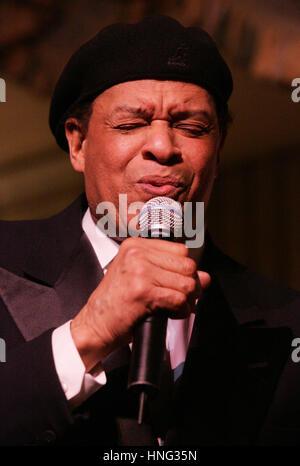 File. 12th Feb, 2017. ALWIN LOPEZ 'AL' JARREAU (March 12, 1940 - February 12, 2017) was an American jazz singer. - Stock Photo