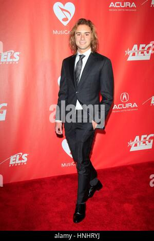 Los Angeles, CA, USA. 10th Feb, 2017. Jeronimo at arrivals for 2017 MusiCares Person of the Year Gala, Los Angeles - Stock Photo