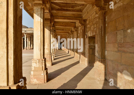 Mosque and tomb complex Sarkhej Roza is a located in the village of Makaraba, near  Ahmedabad in Gujarat state, - Stock Photo