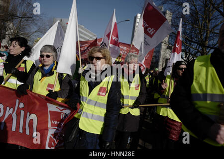 Berlin, Berlin, Germany. 15th Feb, 2017. Around 6000 employees in the public service rally Berlin for more wages. - Stock Photo