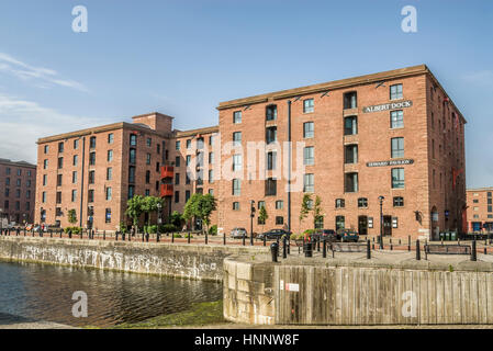 The Albert Dock is a complex of dock buildings and warehouses in Liverpool, England. Designed by Jesse Hartley and - Stock Photo
