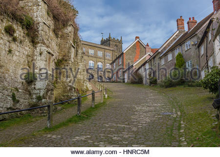 Gold Hill in Shaftesbury. The site of the famous Hovis advert - Stock Photo