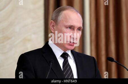 Moscow, Russia. 16th Feb, 2017. Russian President Vladimir Putin addresses a meeting of the Federal Security Service - Stock Photo