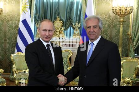 Moscow, Russia. 16th Feb, 2017. Russian President Vladimir Putin welcomes the President of Uruguay Tabare Vazquez - Stock Photo
