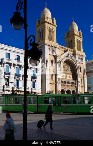 Tunisia: City of Tunis.Saint-Vincent-de-Paul cathedral built in 1862, in place de l´Independance - Stock Photo