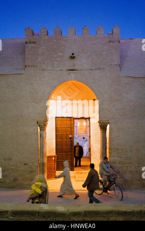 Tunez: Kairouan.Gate of The Great Mosque. Mosquee founded by Sidi Uqba in the VIth century is the most ancient place - Stock Photo