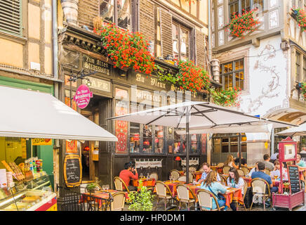 au vieux strasbourg, traditional alsatian restaurant, - Stock Photo