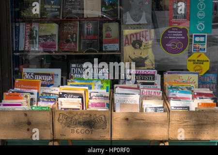 Second hand used bookshop display, 18th arrondissement Paris, Montmartre, France - Stock Photo