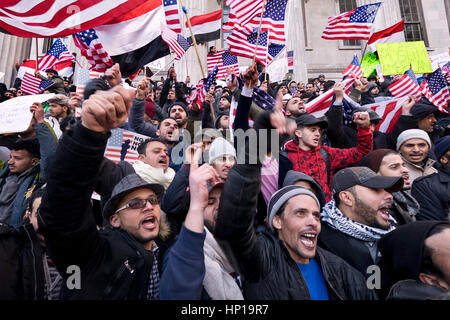 Over 1000 Yemeni grocery stores and bodegas in New York City closed in protest to Donald Trumps ban on immigration - Stock Photo