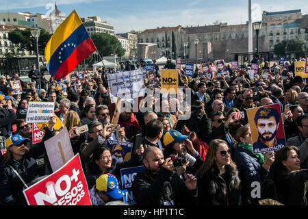 Madrid, Spain. 18th Feb, 2017. People protesting demanding the release of Leopoldo Lopez and political prisoners - Stock Photo