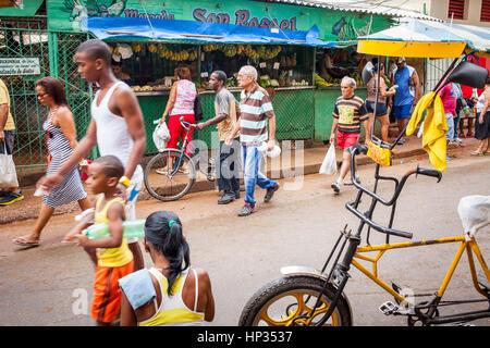 Street scene, in Calle San Rafael, Centro Habana district, La Habana, Cuba - Stock Photo