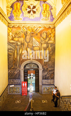 Jose clemente orozco mural the man of fire in the main for Restaurant los azulejos df