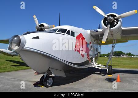 'Red Bull' HU-16 Grumman Albatross, Gatlinburg-Pigeon Forge Airport, Tennessee - Stock Photo