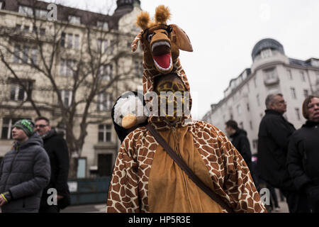Berlin, Berlin, Germany. 19th Feb, 2017. For the 15th time a carnival parade in Berlin takes place. The route also - Stock Photo