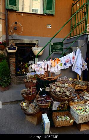 Manarolo, tourist shop, shops, Cinque Terre, Coast, Coastline, Village, Villages, cliff, cliffs, clifftop, colourful, - Stock Photo