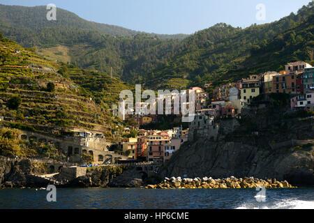 Manarolo, Cinque Terre, Coast, Coastline, Village, Villages, cliff, cliffs, clifftop, colourful, colorful, houses, - Stock Photo
