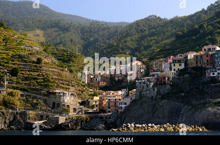 Manarolo, Cinque Terre, Coast, Coastline, Village, Villages, cliff, cliffs, clifftop, colourful, colorful, houses, - Stock Photo