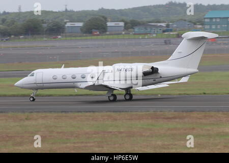 N478GS, a Gulfstream Aerospace G-IV, at Prestwick Airport in Ayrshire. It is thought that this aircraft was used - Stock Photo