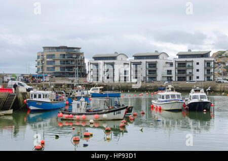 West Bay, Dorset, UK. 20th Feb, 2017. Work begins at West Bay Harbour in Dorset to repair and strengthen the historic - Stock Photo