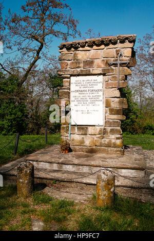 Italy Emilia Romagna Marzabotto: Cemetery of San Martino di Caprara: Tombstone Don Giovanni Fornasini - Stock Photo