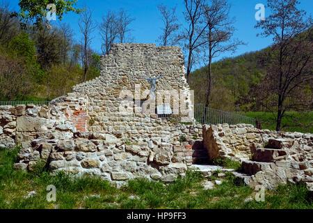 Italy Emilia Romagna Marzabotto:  Caprara di Sopra: ruins and Cross - Stock Photo