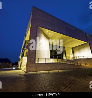 Museum Georg Schaefer, Schweinfurt, nachts beleuchtet - Stock Photo