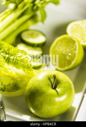 Gruenes Obst, Salat und Gemuese - Stock Photo