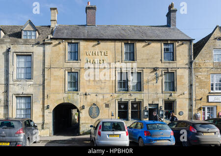 White Hart hotel and pub in Stow-on-the-Wold in the Cotswolds - Stock Photo