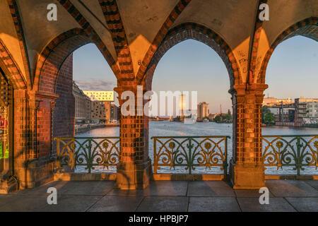 Sunset, arches, Oberbaum bridge, Friedrichshain, Kreuzberg, Berlin - Stock Photo