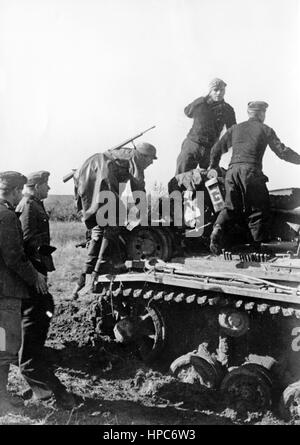 The Nazi propaganda image shows German Wehrmacht tank troops on the Eastern Front. Taken on October 1941. A Nazi - Stock Photo