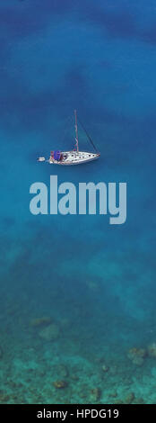 Sailing at the western coastline of Lefkada island, in the Ionian Sea, Greece - Stock Photo