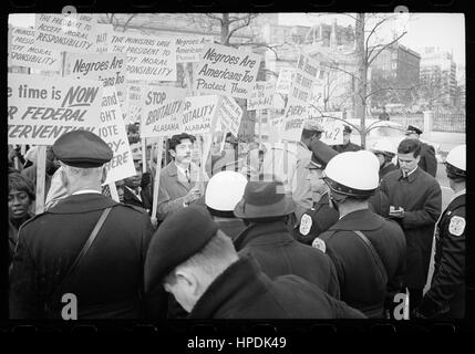 Demonstrators outside the White House protest police brutality against civil rights activists in Selma, Alabama, - Stock Photo
