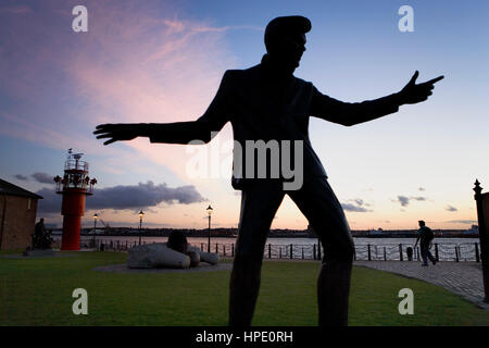 Sculpture of Billy Fury. By Tom Murphy.Coupled Albert Dock and in front of Mersey river.Liverpool. England. UK - Stock Photo