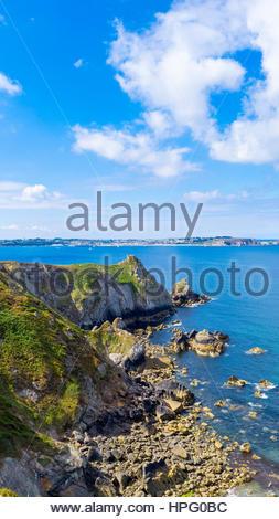 France, Brittany (Bretagne), Finistere department, Roscanvel. Rocky landscape at Presqu'ile de Crozon, Parc naturel - Stock Photo