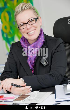 Geschaeftsfrau, Portrait - business woman, Model released - Stock Photo