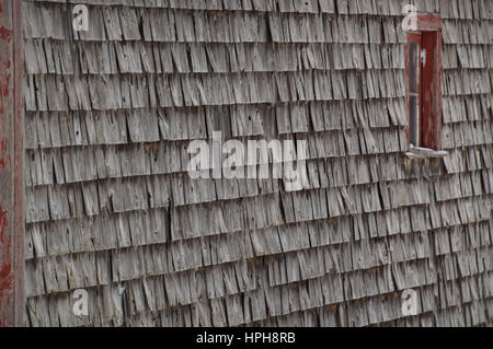 cedar shake shingles siding weathered shakes barn red window winter price roofing installation