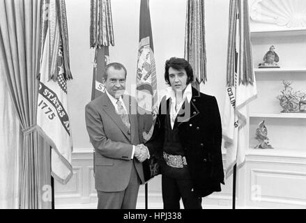 President Richard M  Nixon and Elvis Presley in the Oval
