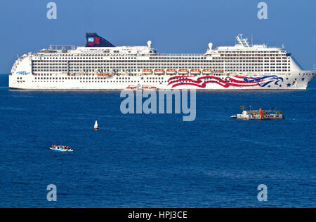 The Pride Of America Cruise Ship At Anchor Off The Coast At Stock - The pride of america cruise ship