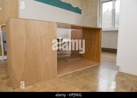 Alte, leere Moebel im Wohnraum - old furnitures in a room - Stock Photo