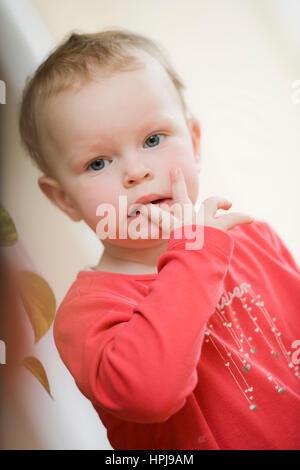 Model released , Kleines Maedchen, 1 1/2 Jahre - little girl - Stock Photo