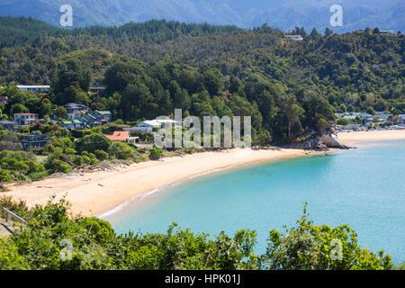 Kaiteriteri, Tasman, New Zealand. View over the turquoise waters of Tasman Bay from hillside above Little Kaiteriteri - Stock Photo