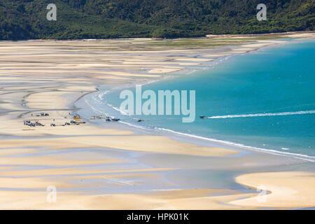 Marahau, Tasman, New Zealand. View at low tide over Sandy Bay to the coastline of Abel Tasman National Park, water - Stock Photo