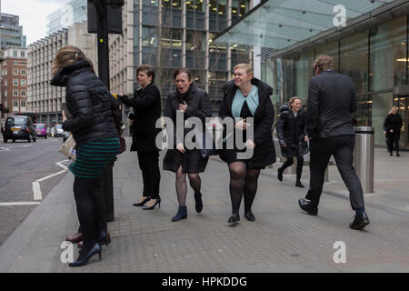 London, UK. 23rd Feb, 2017. London, UK. 23rd February 2017. As Storm Doris blows across the UK, pedestrians on Fenchurch - Stock Photo
