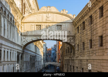 the ponte dei sospiri or bridge of sighs is a bridge that leads from the Prigioni Nuove to the doge's palace and - Stock Photo